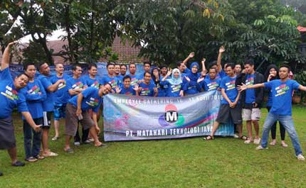 Employee-Gathering-Matahari-LED